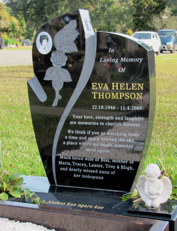 Carved design headstones crafted memorials